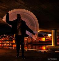 Engel under broa